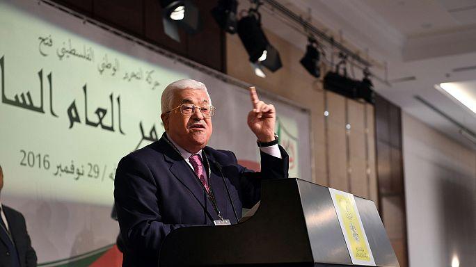 حركة فتح تجدد انتخاب محمود عباس قائداً عاماً