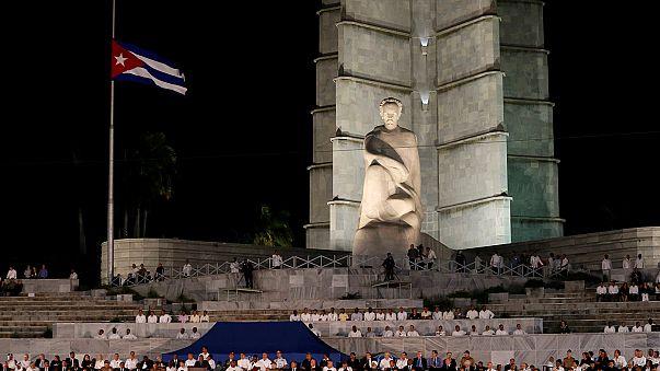 Президенты и премьеры вспомнили Кастро на митинге в Гаване