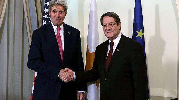 Κυπριακό: Και ο Τζον Κέρι θέλει να έρθει στη Λευκωσία