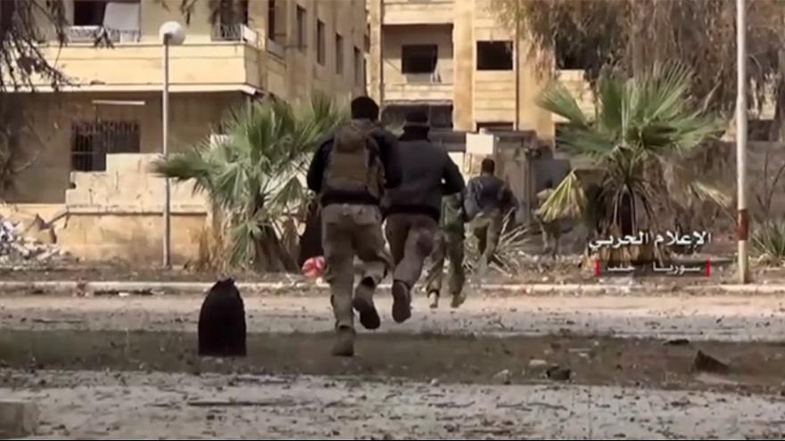 مقتل عشرات المدنيين في تبادل للقصف بين الحكومة والمعارضة بحلب