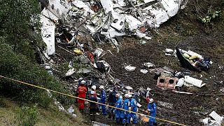 اندوه فوتبالدوستان برزیلی؛ کارشناسان بدنبال راز سقوط مرگبار هواپیما در کلمبیا