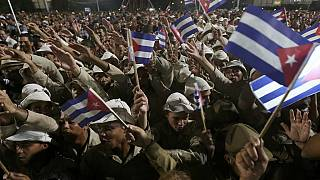 Cubans pay tribute to Fidel Castro