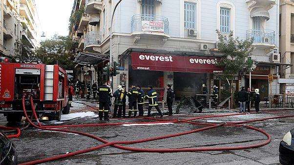 Αθήνα: Ισχυρή έκρηξη σε ταχυφαγείο στην πλατεία Βικτωρίας - Μία γυναίκα νεκρή και πέντε τραυματίες