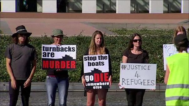 A menedékkérők befogadásáért tüntetnek civilek Canberrában