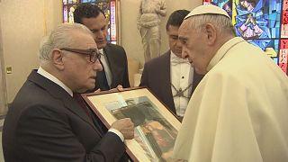 """Martin Scorsese presenta al papa Francisco su nueva película, """"Silencio"""""""
