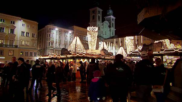 Call for Muslim Christmas bonus cut sparks outrage in Austria