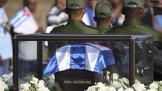Fidel Castro briefly reunited with Che Guevara: the Cuban leader's ashes make the journey to Santiago