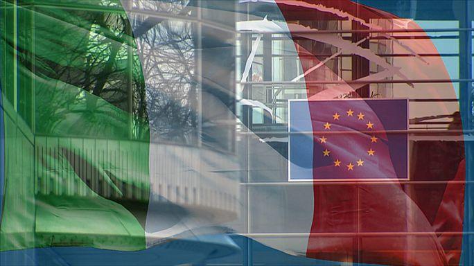 الإيطاليون يصوتون في استفتاء عام على إصلاح دستوري قد يطيح بحكومة ماتيو رانزي.