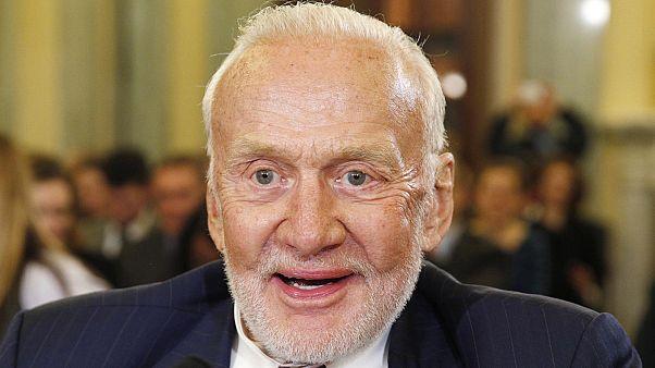 Buzz Aldrin hospitalizado de urgência durante visita ao Pólo sul