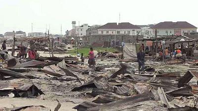 Lagos fait la chasse aux bidonvilles