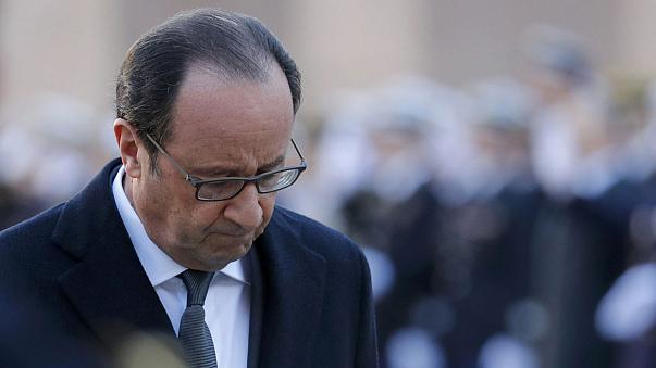 Los cabezas de cartel socialistas felicitan a François Hollande por su paso atrás
