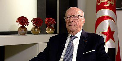 """Presidente da Tunísia, Béji Caïd Essebsi: """"Esperamos que a Primavera Árabe se realize em todos os países árabes"""""""