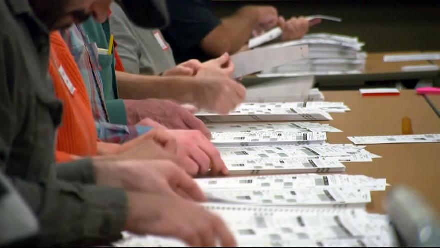 Trump supporters attempt to block 'Rust Belt' recount bid