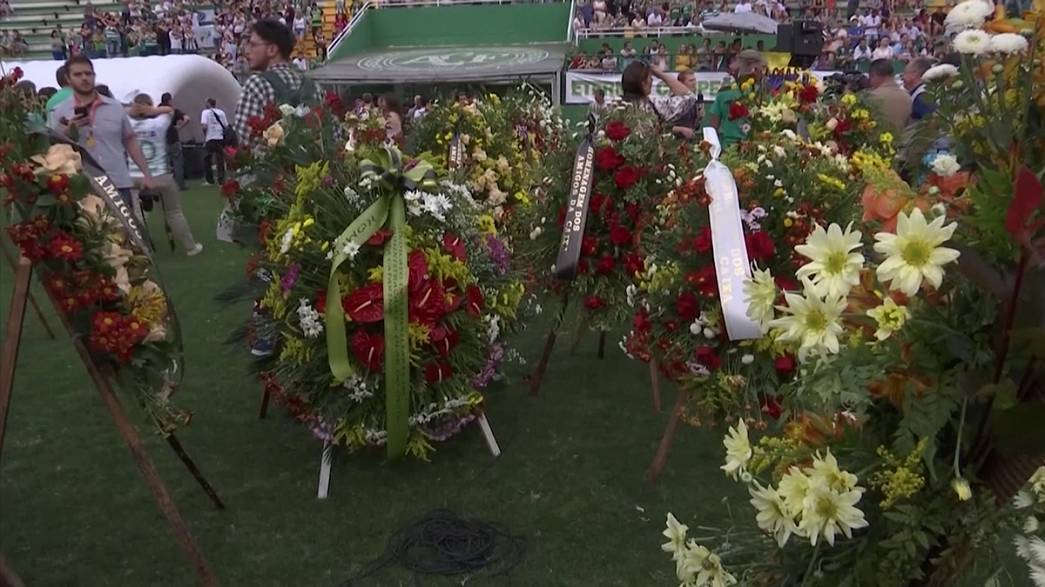 Chapecoense hosts a memorial for the victims of LaMia flight 2933