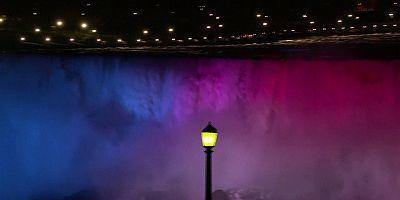 شلالات نياغارا تحت اضواء جديدة ملونة وبراقة