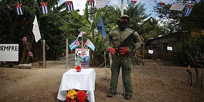 سانتياغو تستعد للحفل التأبيني الرسمي للزعيم كاسترو بعد وصول رماده اليها