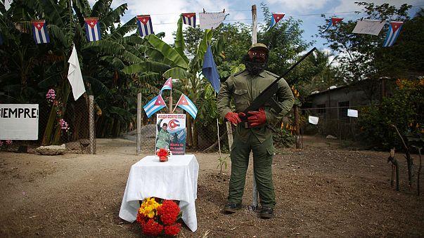 A végső előkészületek Castro temetése előtt