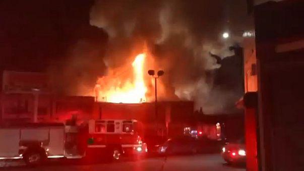 Пожар в ночном клубе Окленда : 9 погибших