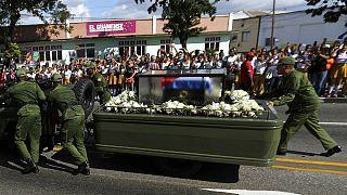 Los restos mortales de Castro llegan a Santiago de Cuba, última parada antes de su inhumación