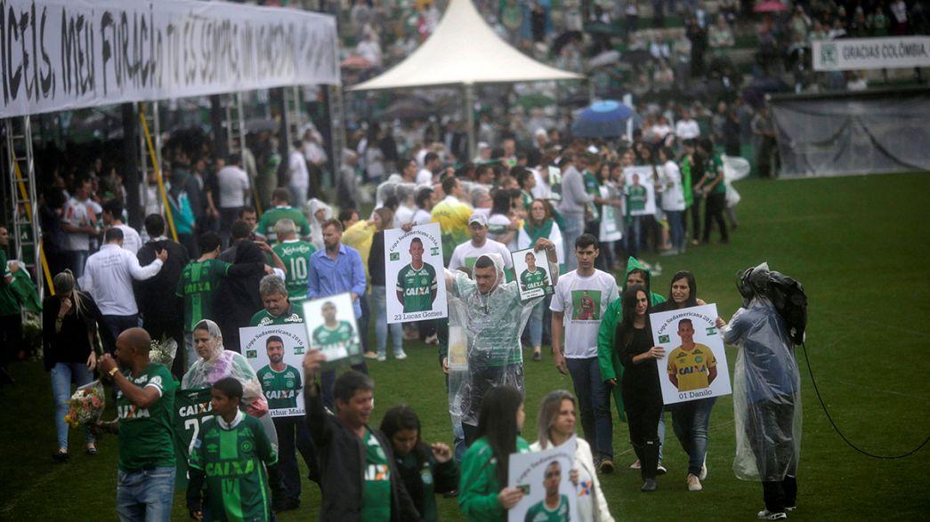 Thousands attend memorial for Chapecoense football team