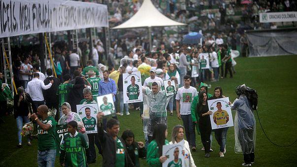 Brasile: l'Arena Conda saluta i suoi campioni, funerali di Stato per i 'Chape'