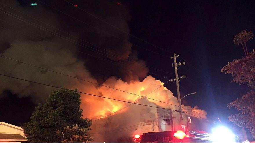 Feuer bei Party in Kalifornien: Neun Tote geborgen, viele weiter Opfer befürchtet