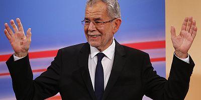 Austria: il nuovo presidente è Alexander Van der Bellen, sostenuto dai verdi