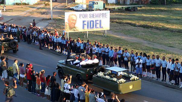 Szűk körben temették el Fidel Castrót