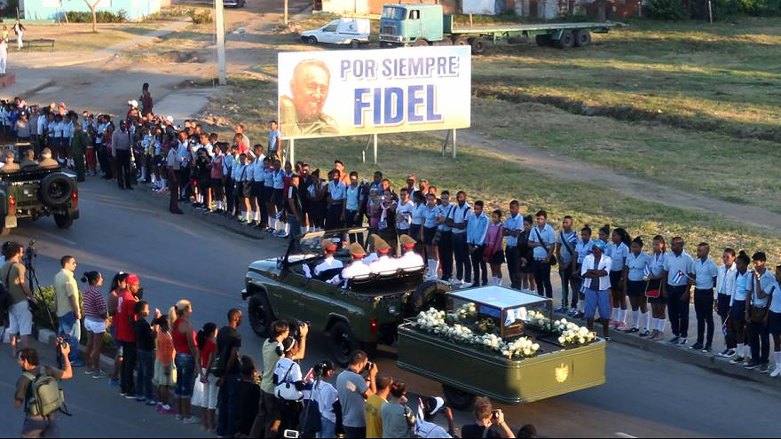 Cinzas de Fidel Castro depositadas no Cemitério de Santa Ifigénia, durante cerimónia privada