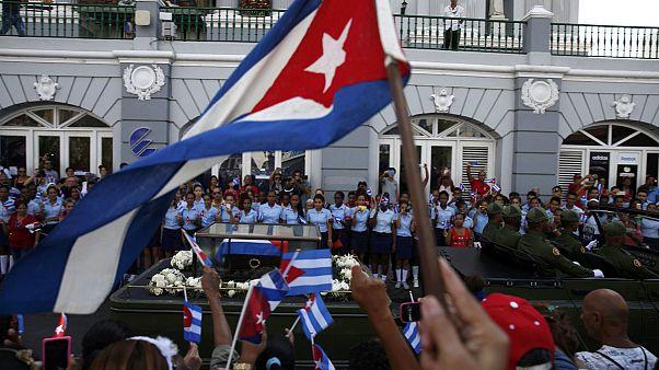 خاکسپاری فیدل کاسترو؛ پایان ده روز عزای عمومی در کوبا