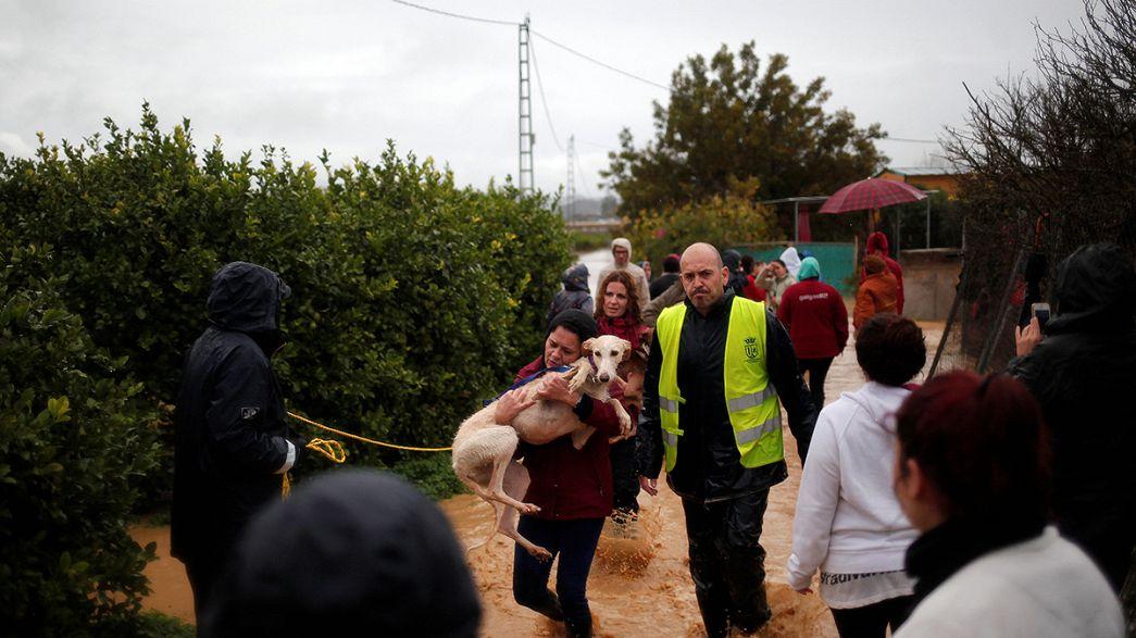 الأمطار الغزيرة تقتل إمراه في جنوب إسبانيا