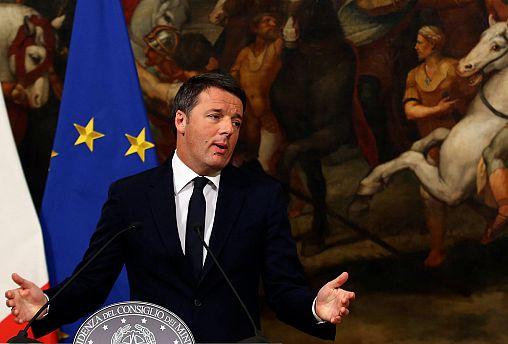 رئيس الوزارء الإيطالي ماتيو رينزي يعلن استقالته