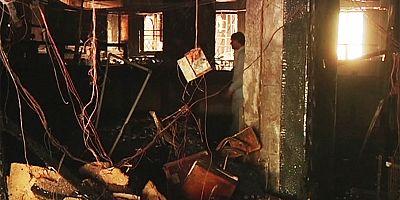Pakistan, in fiamme un hotel di Karachi, almeno 11 morti