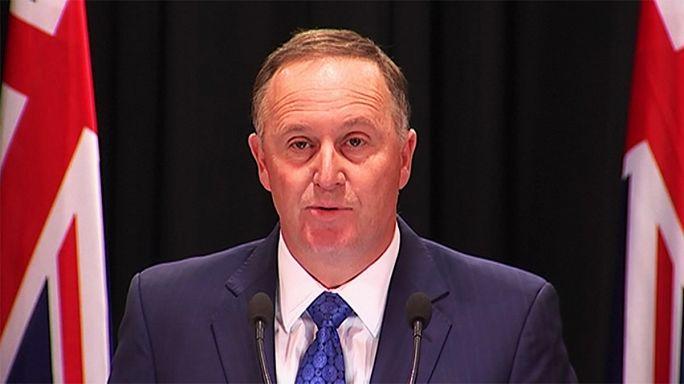 Neuseelands Regierungschef John Key nimmt seinen Hut