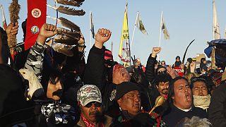 EUA: Sioux vencem batalha contra oleoduto no Dacota do Norte