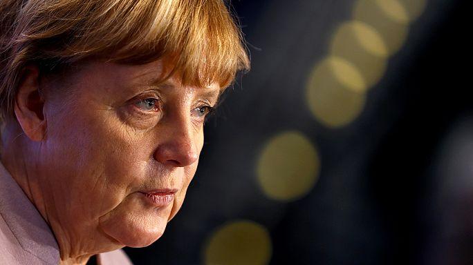 """Merkel """"triste"""" de la victoire du non en Italie"""