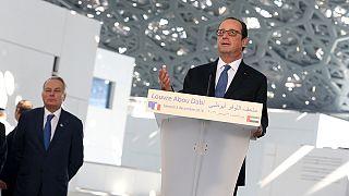 Hollande lancia un messaggio di tolleranza dal Louvre Abu Dhabi