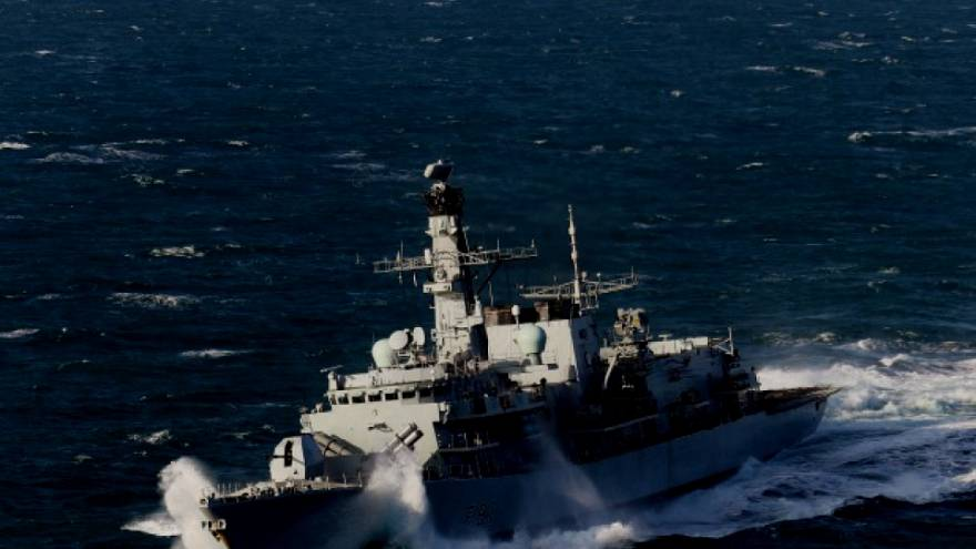Russian Destroyer in sights of UK Navy