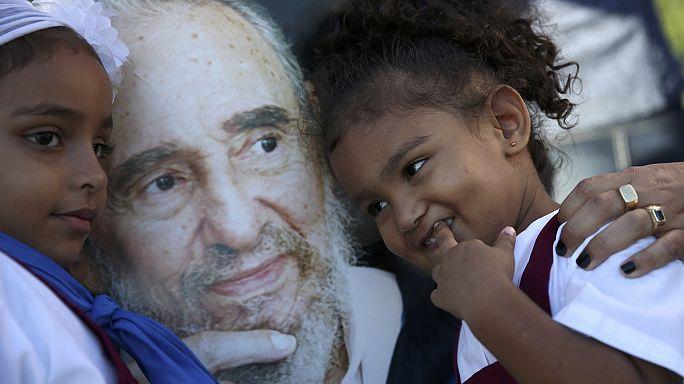 كوبا تودع كاسترو وتفتح فصلا جديدا في تاريخ  علاقاتها مع الولايات المتحدة