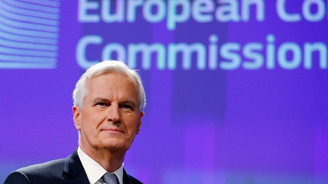 Breves de Bruxelas: calendário do Brexit e o adeus de Kerry à NATO