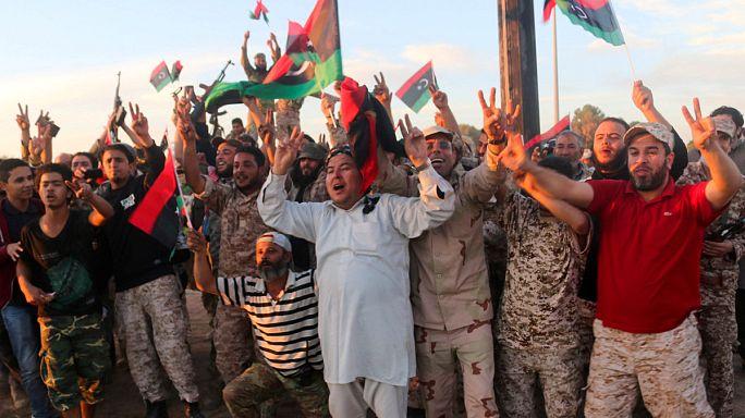 Regierungstreue Milizen erobern libysche IS-Hochburg Sirte