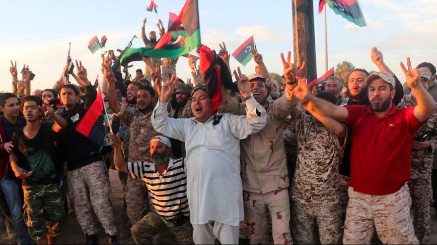 Les combattants libyens crient victoire à Syrte