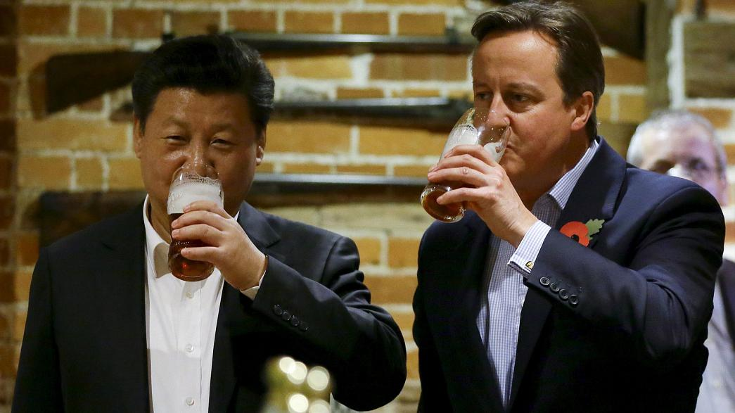 Empresa chinesa compra pub onde Jinping e Cameron tomaram cerveja juntos