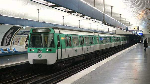 Paris'te hava kirliliğine karşı ücretsiz toplu taşıma
