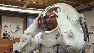 آزمایش لباس های جدید طراحی شده برای فضانوردی