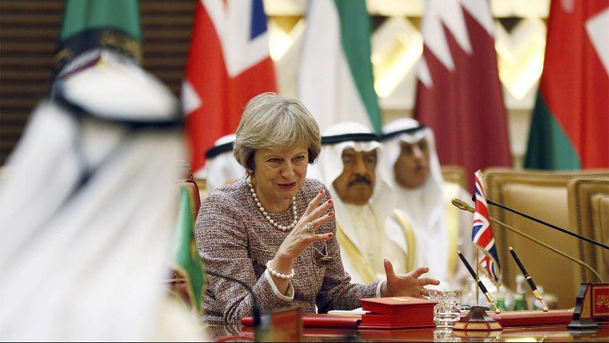 ترزا می: دربرابر عملکرد تهاجمی ایران همکاری دفاعی با کشورهای خلیج فارس را عمیقتر میکنیم