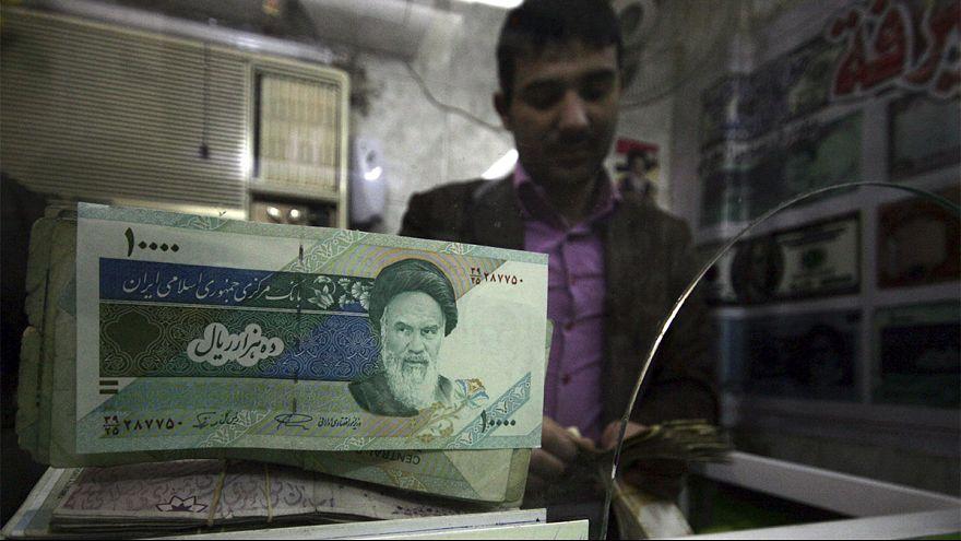 تغییر واحد پول ایران: تومان جای ریال را میگیرد