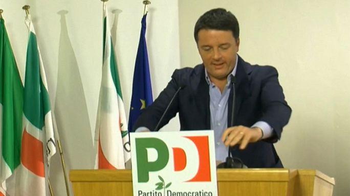 """Italia: """"governo con tutti i partiti o voto anticipato"""", il messaggio di Renzi prima di dimettersi"""