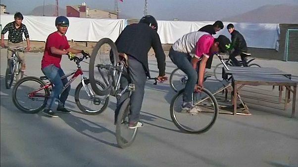 Fahrradakrobatik in Afghanistan