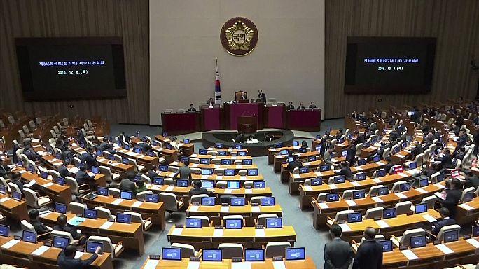 Parlamento coreano vota amanhã moção para destituir presidente